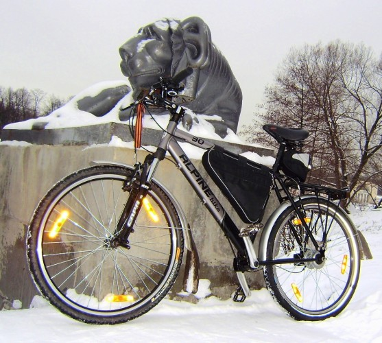Тестирование непривычного карданного велосипеда Alpine Bike 30M Bike-Cube-Hyde-Pro-2-557x500