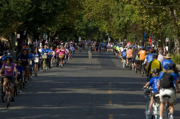 Самая длинная велосипедная колонна One-super-bike-record-620x411