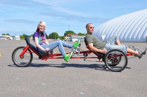 Теперь с любимой можно ехать вдвоём, лёжа на велосипеде Viking-recumbent-people-620x411