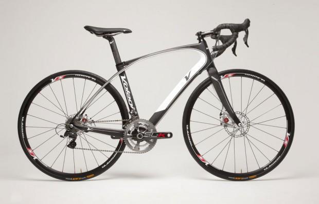 Шоссейный велосипед с дисковыми тормозами Volagi Liscio Volagi-endurance-road-bike-with-disc-brakes03-620x397